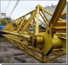 В Харькове при падении крана погиб строитель