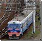 Девушку сбил поезд, когда переходила железнодорожный путь в наушниках