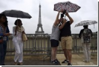 Эйфелеву башню признали лучшим в мире фоном для селфи