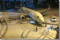 Сотрудники Ryanair нарисовали на взлетной полосе гигантский фаллос