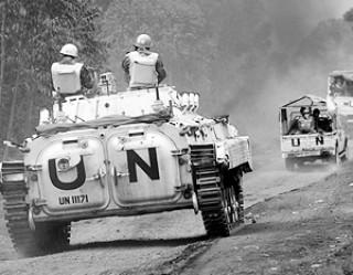 Зачем Киев зовет на Украину миротворцев ООН