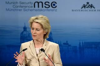 Министр обороны ФРГ объяснила разницу между донецкими ополченцами и боевиками ИГ
