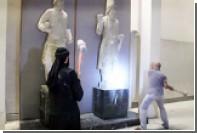 Боевики ИГ кувалдой уничтожили коллекцию культурных памятников на севере Ираке