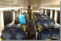 Драка в австралийском поезде закончилась дружескими объятиями