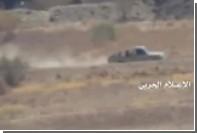 Пикап с боевиками выдержал попадание противотанковой ракеты и поехал дальше