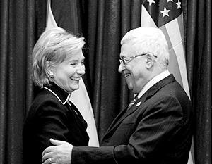 Клинтон меж двух огней