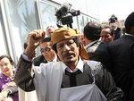 Каддафи стянул свежие войска к своему родному городу