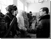 Медведев пообещал повысить зарплату снайперам