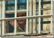 Тюремщики утверждают, что «слегка ползающая» Тимошенко занялась самолечением. Хорошо хоть до уринотерапии еще не дошло