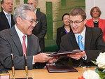 Власти Литвы договорились c Hitachi о строительстве АЭС