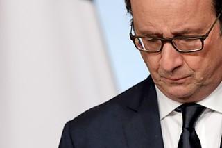 Олланд заявил об отсутствии выживших в катастрофе A-320