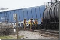 В Техасе эвакуированы жители из-за схода с рельсов поезда с метанолом