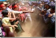 Полиция Мьянмы задержала около ста демонстрантов