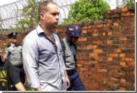 Новозеландец получил в Мьянме срок за психоделического Будду в наушниках