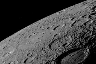 Планетологи объяснили темный цвет Меркурия