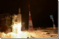 Полеты космонавтов на Луну запланировали проводить с пересадкой на орбите