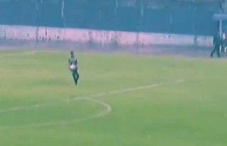 Бразильский вратарь забил победный гол из своей штрафной