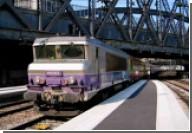 Парижский поезд не успел затормозить на вокзале