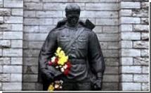Началась подготовка к установке Бронзового солдата на военном кладбище