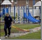 Детские площадки покрывают кислотой