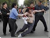 В Киргизии 2 тысячи человек пришли на митинг к зданию парламента