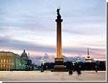 В Петербурге с Александровской колонны украли шесть орлов