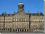 В Амстердаме мужчина поджег себя перед королевским дворцом