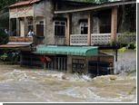 Российские туристы начали покидать затопленный таиландский остров