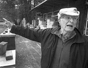 Хатынский палач спокойно разводит пчел в Канаде