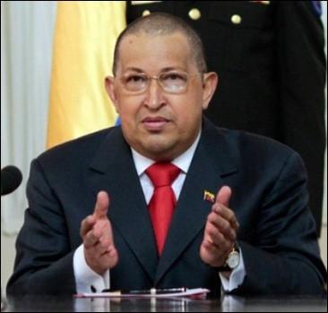 Уго Чаввес упрапвляет страной через Twitter