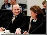Суд над Брейвиком превратился в спектакль одного актера. Одного из пяти судей уже отстранили