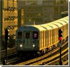 Мужчина погиб, помочившись на рельсы метро