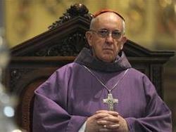 Папа римский приглашен в Украину, где не все ему рады