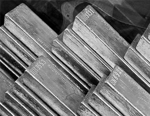 Обвал цен на золото побил 30-летний рекорд