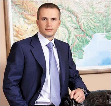 Компания сына Януковича за год получила 197 млн гривен прибыли
