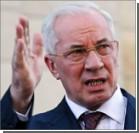 """Азаров хочет """"пересадить"""" село на украинскую технику"""
