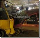 Два авто протаранили маршрутку в Киеве. Фото