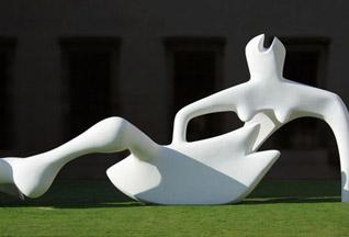 В Великобритании откроют музей Генри Мура