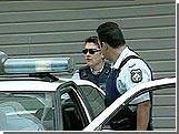 В Афинах обстреляли и бросили гранату в полицейский участок