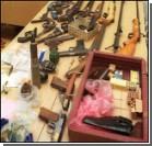 Под столицей найдены арсеналы оружия и взрывчатки