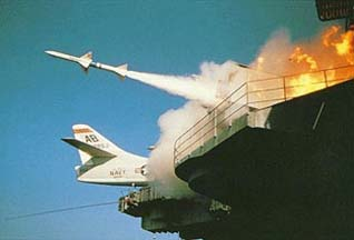 Новые зенитные ракеты смогут поражать надводные цели