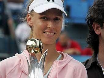 Елена Дементьева выиграла турнир в Стамбуле