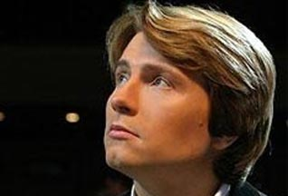 Николай Басков официально развелся с женой