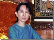Власти Мьянмы оставили под арестом лидера оппозиции