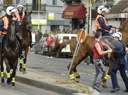 Футбольные фанаты устроили драку в пригороде Брюсселя