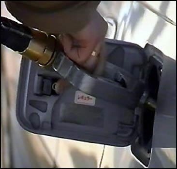 Бензин дорожает рекордными темпами