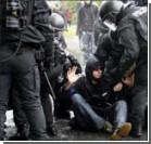 Первомайские демонстранты покалечили полицейских