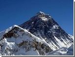Непалец просидел на вершине Эвереста 32 часа