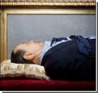 """В Италии выставили гроб с """"трупом"""" Берлускони. Фото"""