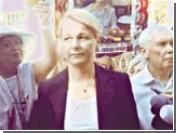 Немецкая врач Тимошенко приступила к работе. Для начала отказалась от фуршета и выгнала из палаты Власенко